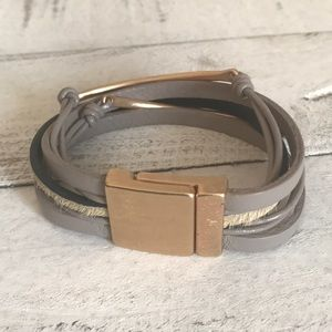 Jewelry - Grey and gold leather bracelet